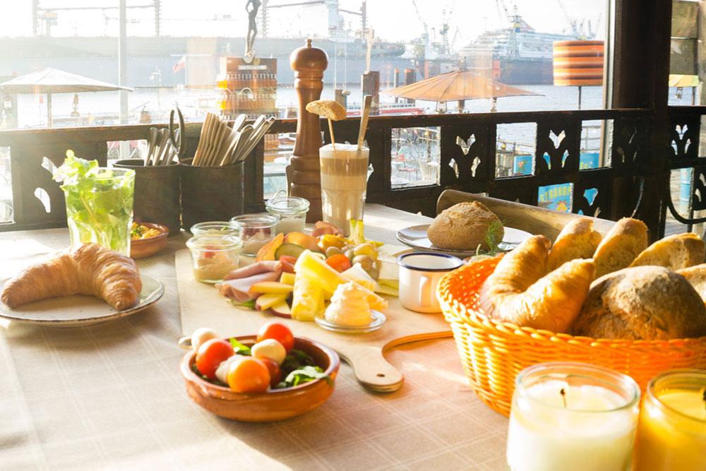 StrandPauli Hamburg Beachclub Food and Drinks Frühstück